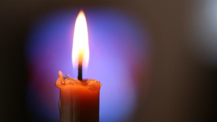 Чистка квартиры свечой по часовой или против